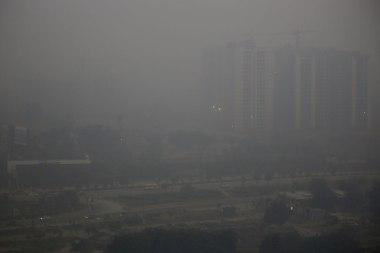 morning-haze-envelops-the-skyline